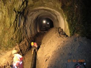 16 -Multiservizi particolare tubo fognatura